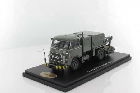 DAF T1300 DA265 Geesink Veegwagen Grijs (trapezium). Gelimiteerd op 100 stuks.