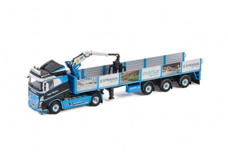 WSI PWT Cargo; VOLVO FH4 SLEEPER CAB 4X2 BRICK TRAILER - 3 AXLE (01-3191)