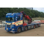 WSI Erling Andersen; SCANIA R NORMAL | CR20N 8X2 TAG AXLE RIGED FLAT BED TRUCK FASSI 1100 | JIB